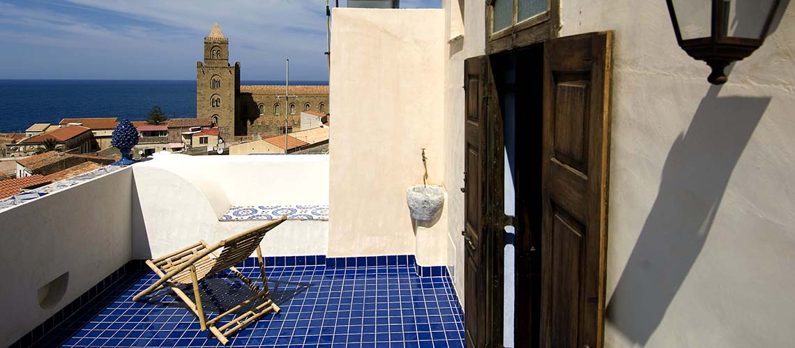 Arte Mare & Blu Apartment by the Sea for rent in Cefalù Sicily - 0
