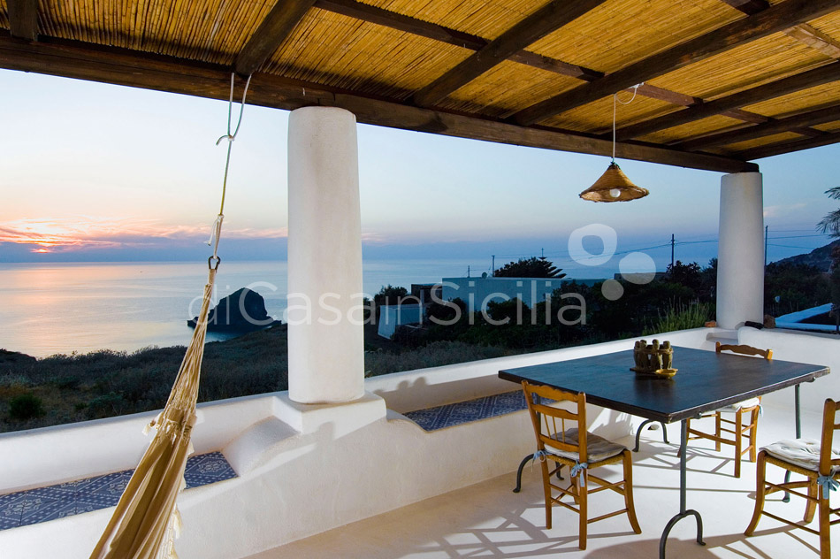 L'Ulivo di Pollara Villa al Mare in affitto Salina Isole Eolie Sicilia - 1