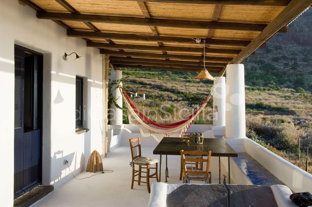 L'Ulivo di Pollara Seafront Sicily Villa Rental Salina Aeolian Islands - 4