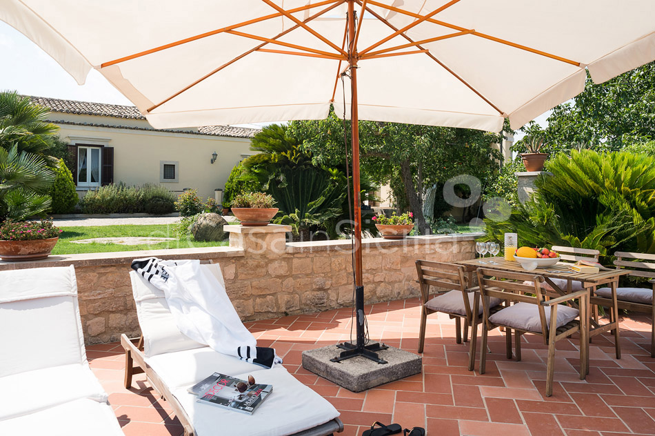 Baglio Amore Villa with Pool for rent in the Countryside Modica Sicily - 11