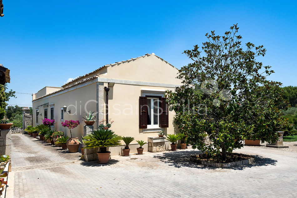 Baglio Amore Villa with Pool for rent in the Countryside Modica Sicily - 14