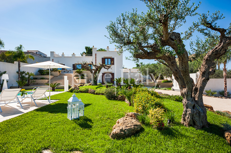 Seaside villas with pool and wellness area, Trapani | Pure Italy - 12