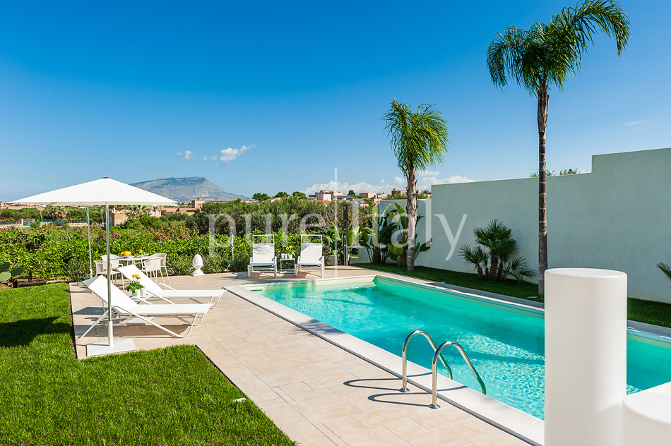 Seaside villas with pool and wellness area, Trapani | Pure Italy - 14