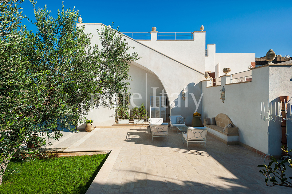 Seaside villas with pool and wellness area, Trapani | Pure Italy - 16