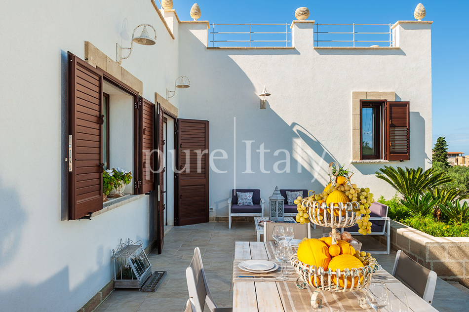 Seaside villas with pool and wellness area, Trapani | Pure Italy - 20