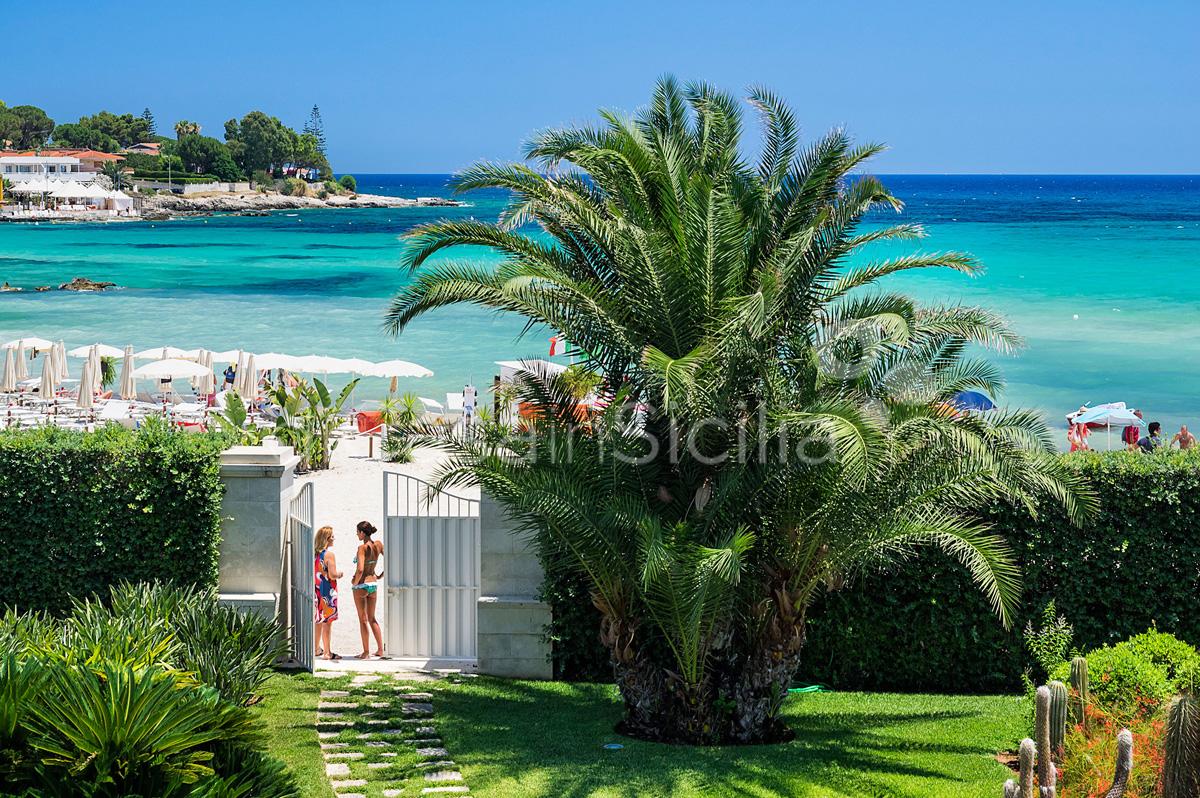La Plage Sicily Beach Villa for rent in Fontane Bianche Sicily - 8