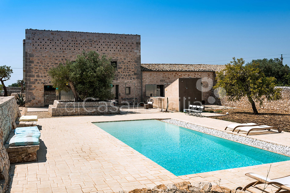 Le Edicole Design Villa with Pool for rent Countryside Ragusa Sicily - 6