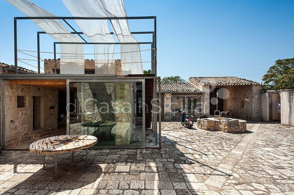 Le Edicole Design Villa with Pool for rent Countryside Ragusa Sicily - 13