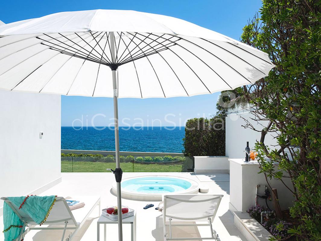 Marisol Villa direkt am Meer mit Whirlpool zur Miete in Fontane Bianche Sizilien - 5