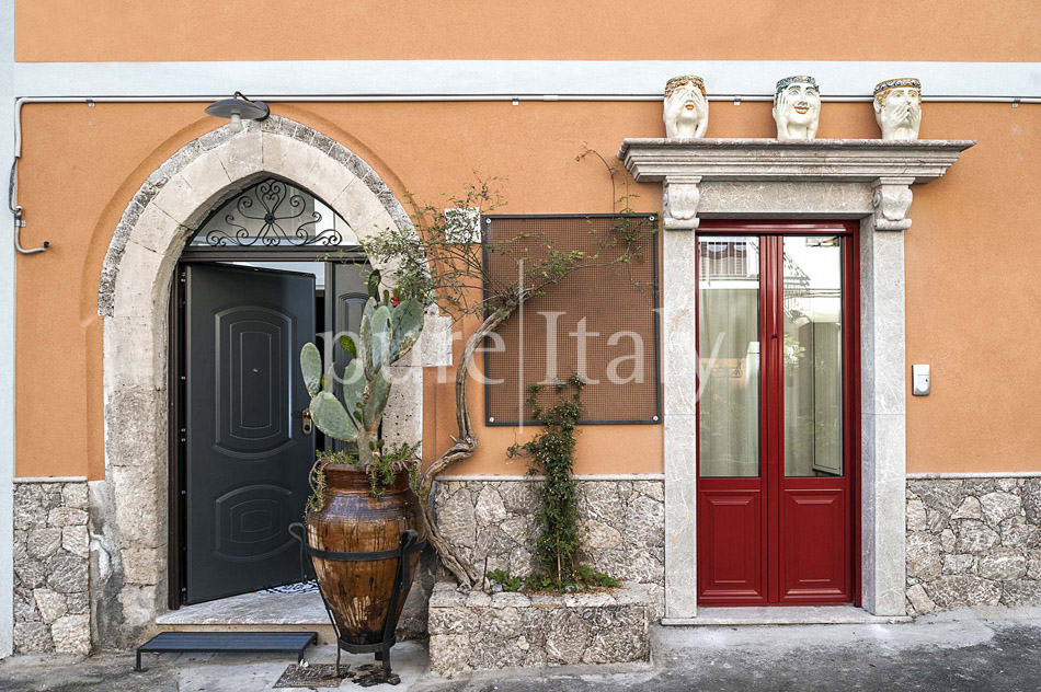 Charming Sicilian holiday homes in Taormina centre | Pure Italy - 0