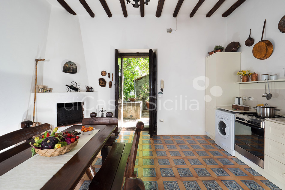 Montebello Villa with Pool & Hot Tub for rent Milo Mount Etna Sicily - 17