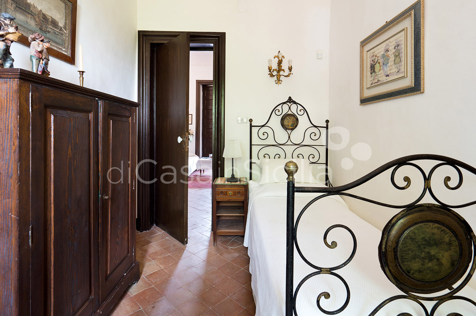 Montebello Villa with Pool & Hot Tub for rent Milo Mount Etna Sicily - 31