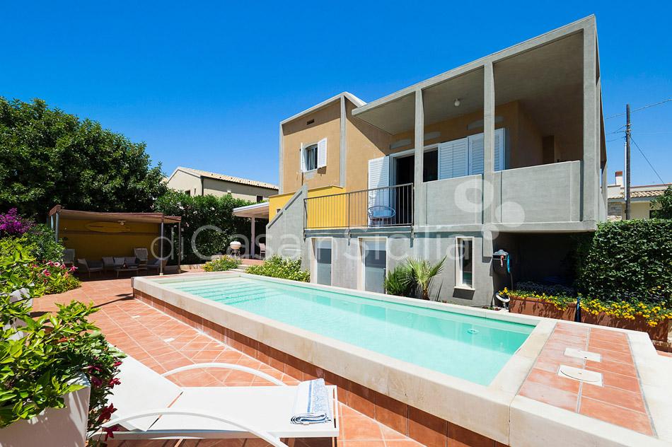 Baia Chiara Seafront Villa Rental with Pool Modica Sicily - 4