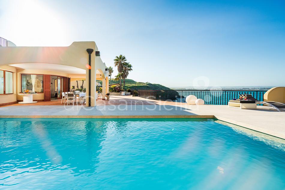 Seafront villas in Noto Valley, South-East | Di Casa in Sicilia - 11