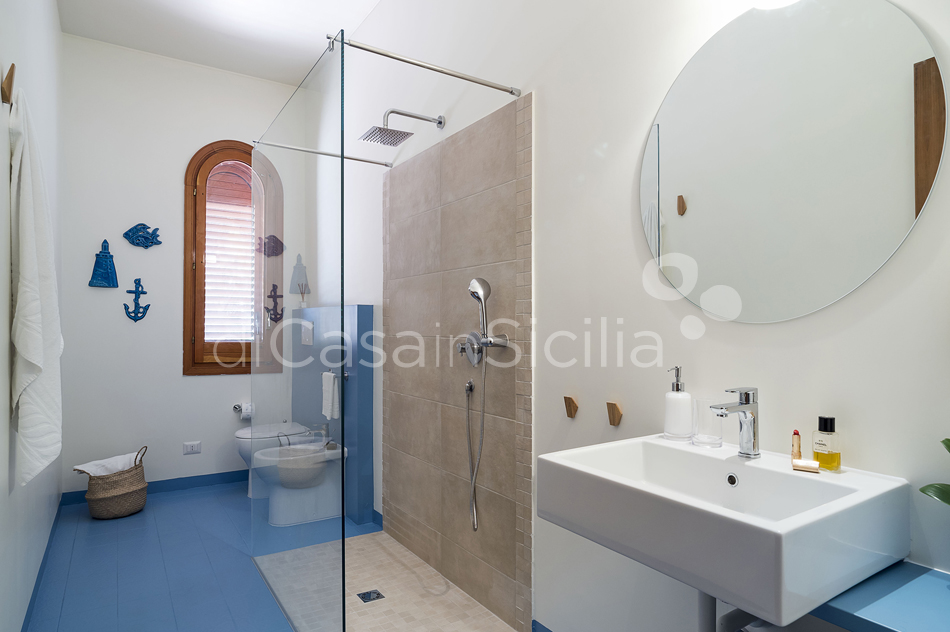 Baia del Riccio Seafront Sicily Villa Rental with Pool in Augusta - 43