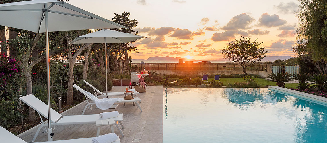 Seaside Villa with pool, west coast, salt pans in Sicily| Pure Italy - 0