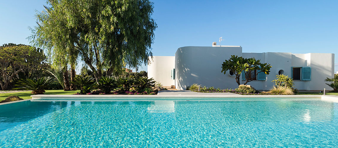 Seaside Villa with pool, west coast, salt pans in Sicily| Pure Italy - 1