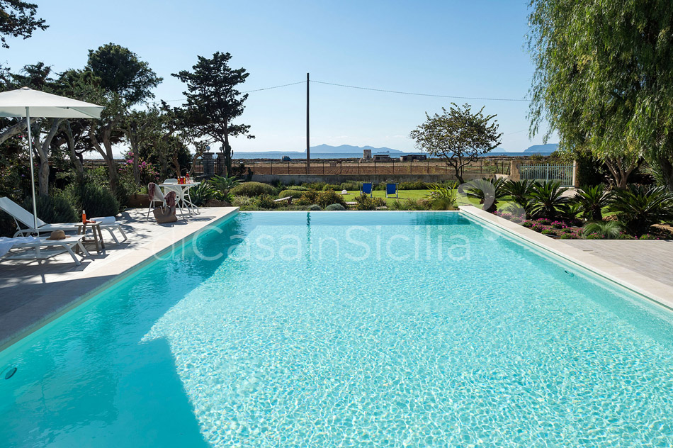 Salinella Seafront Villa with Pool for rent near Trapani Sicily - 6