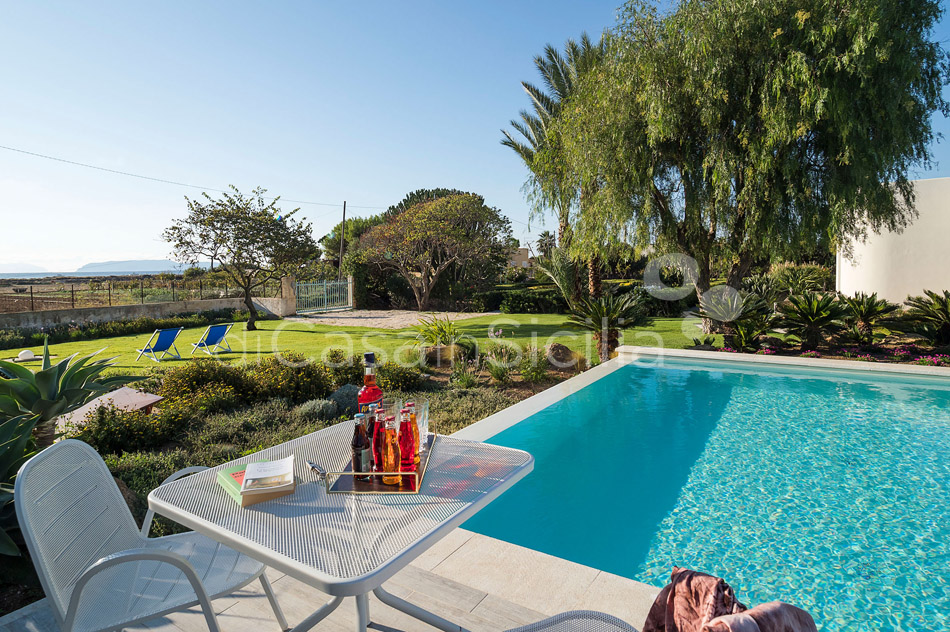 Salinella Seafront Villa with Pool for rent near Trapani Sicily - 12