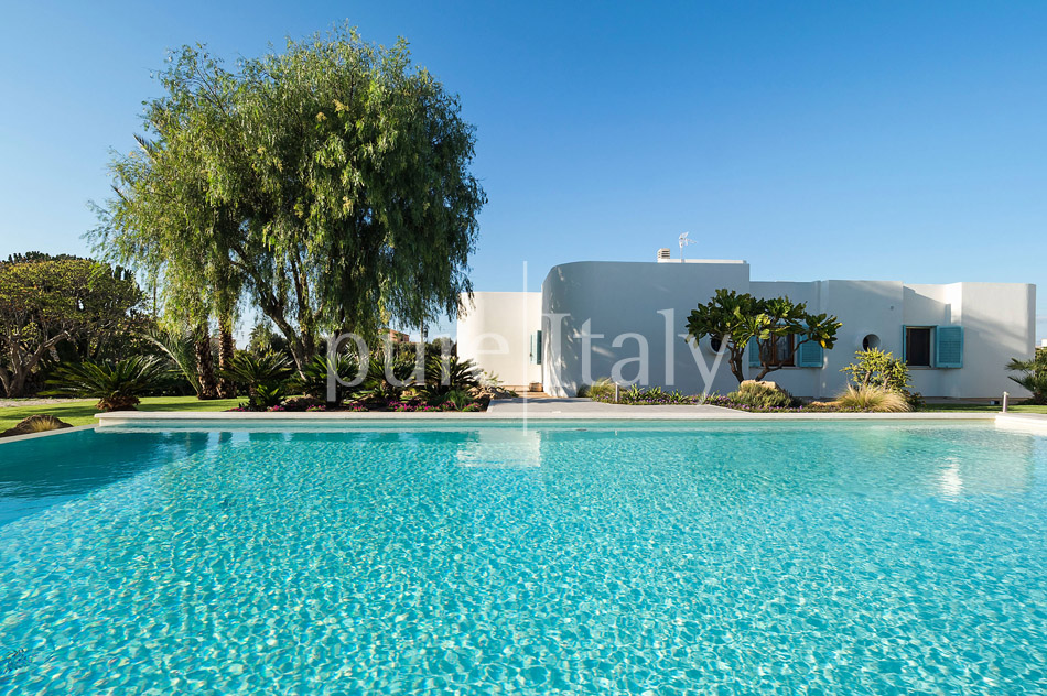 Seaside Villa with pool, west coast, salt pans in Sicily| Pure Italy - 8