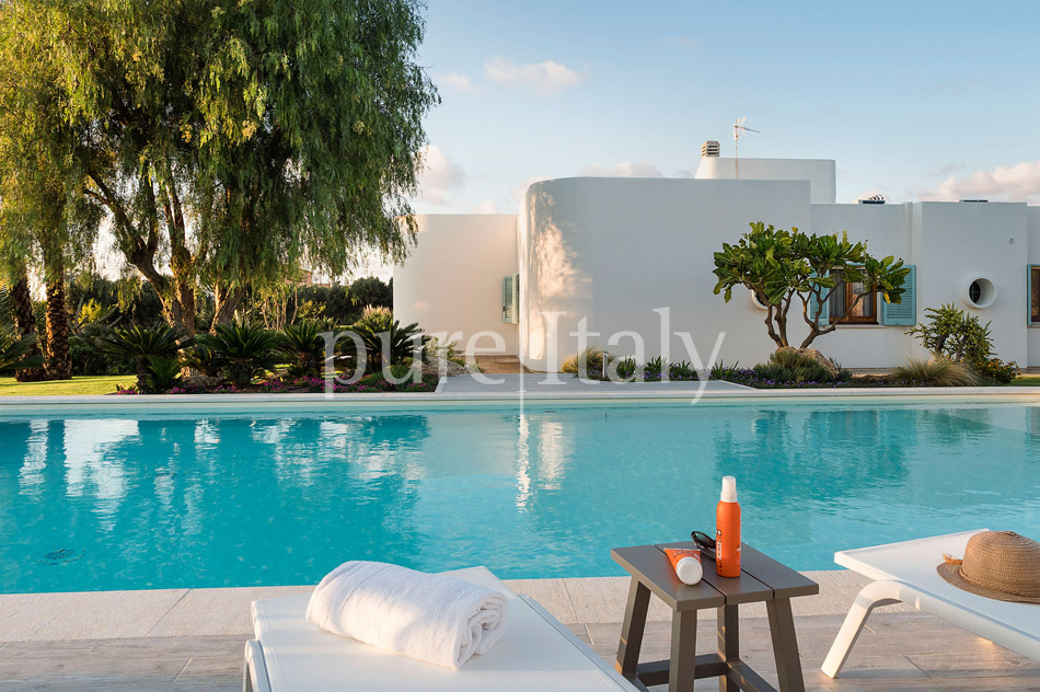 Seaside Villa with pool, west coast, salt pans in Sicily| Pure Italy - 14