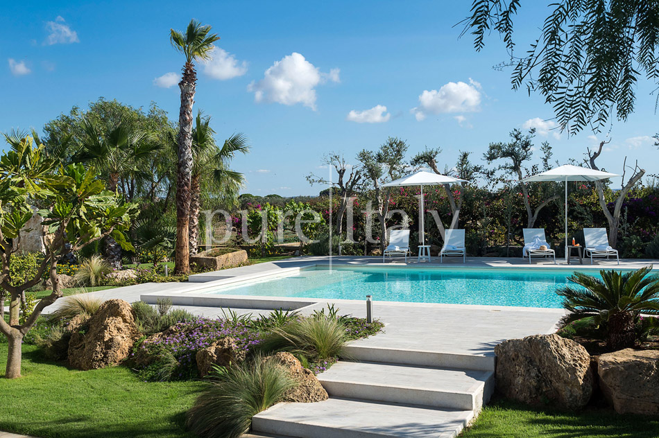 Seaside Villa with pool, west coast, salt pans in Sicily| Pure Italy - 15