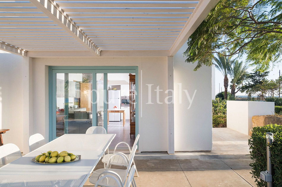 Seaside Villa with pool, west coast, salt pans in Sicily| Pure Italy - 21