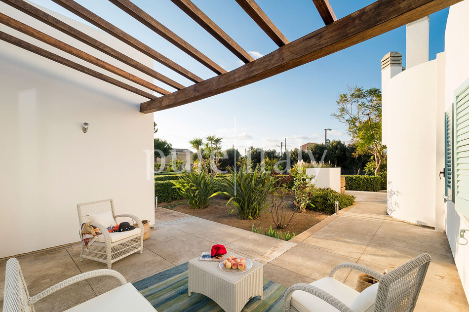 Seaside Villa with pool, west coast, salt pans in Sicily| Pure Italy - 23