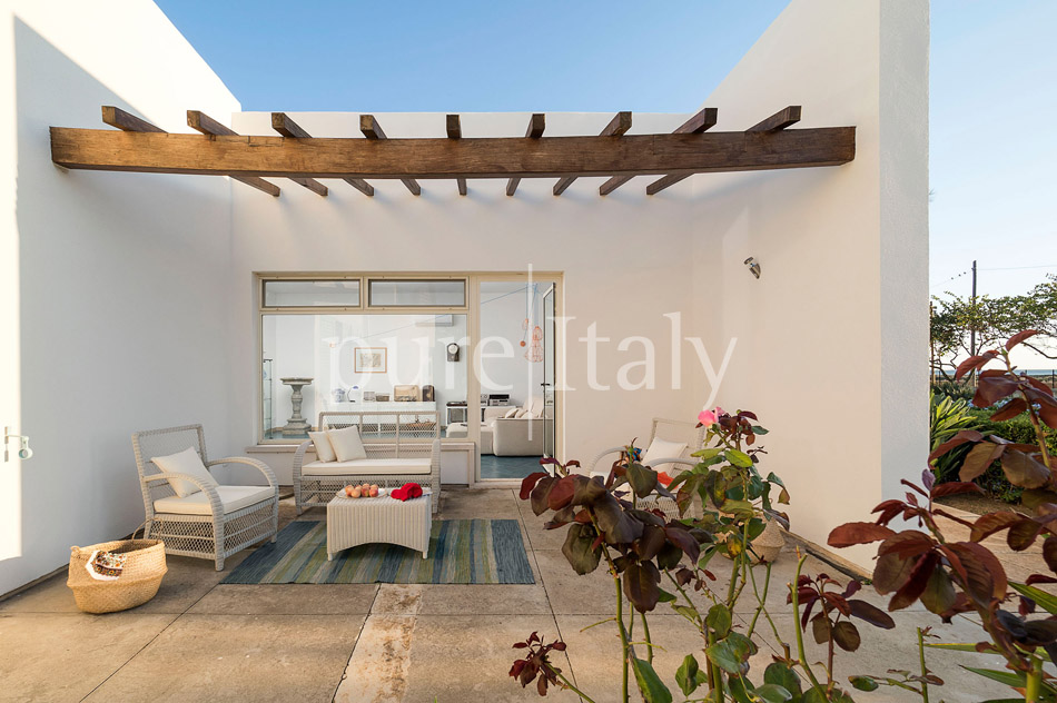 Seaside Villa with pool, west coast, salt pans in Sicily| Pure Italy - 24