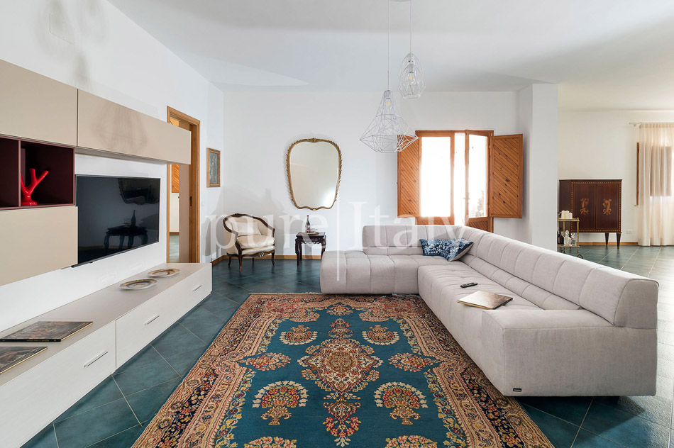 Seaside Villa with pool, west coast, salt pans in Sicily| Pure Italy - 25
