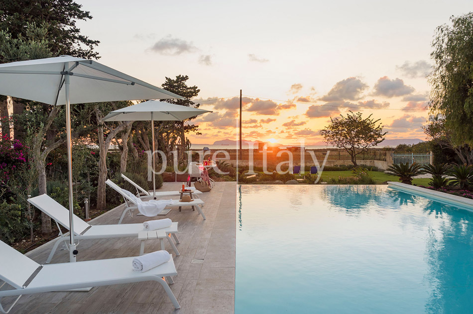 Seaside Villa with pool, west coast, salt pans in Sicily| Pure Italy - 56