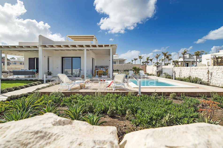 Seafront villas with pool near Syracuse | Di Casa in Sicilia - 10