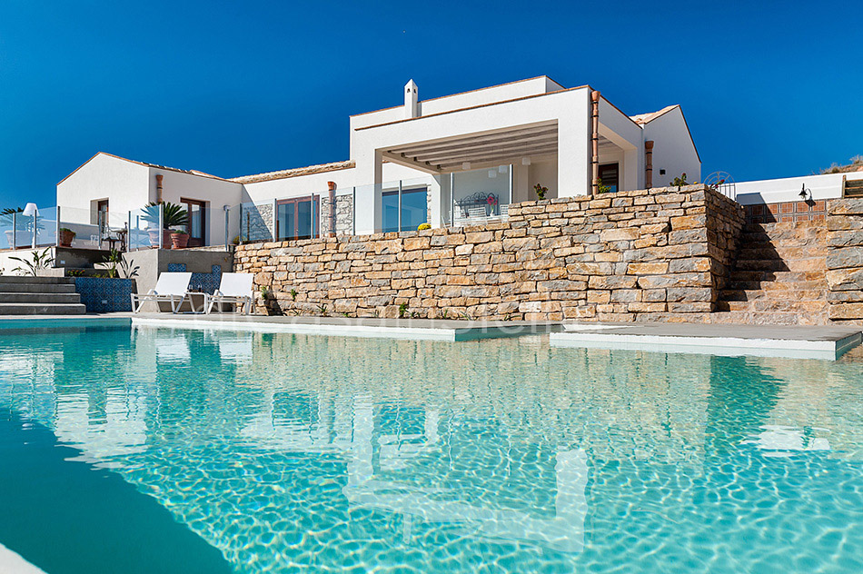 Tangi Luxury Country Villa with Infinity Pool for rent Trapani Sicily - 4