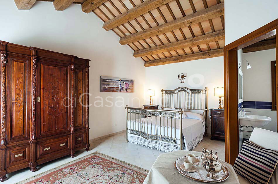 Tangi Luxury Country Villa with Infinity Pool for rent Trapani Sicily - 26