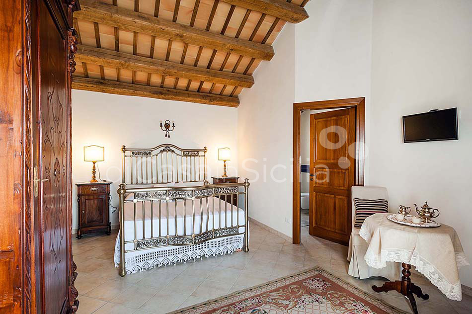 Tangi Luxury Country Villa with Infinity Pool for rent Trapani Sicily - 27