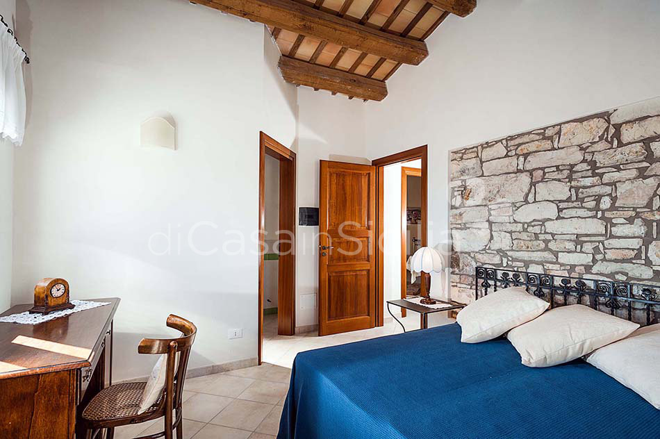 Tangi Luxury Country Villa with Infinity Pool for rent Trapani Sicily - 30