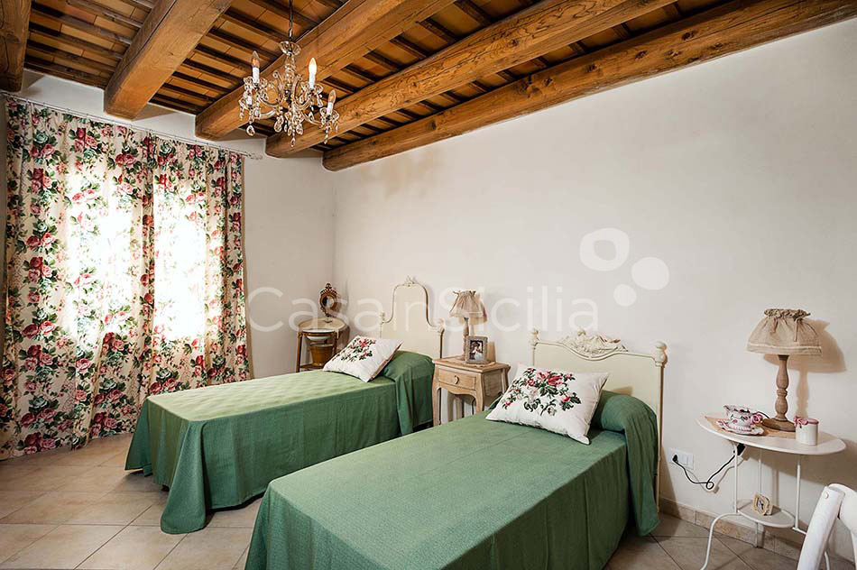 Tangi Luxury Country Villa with Infinity Pool for rent Trapani Sicily - 32