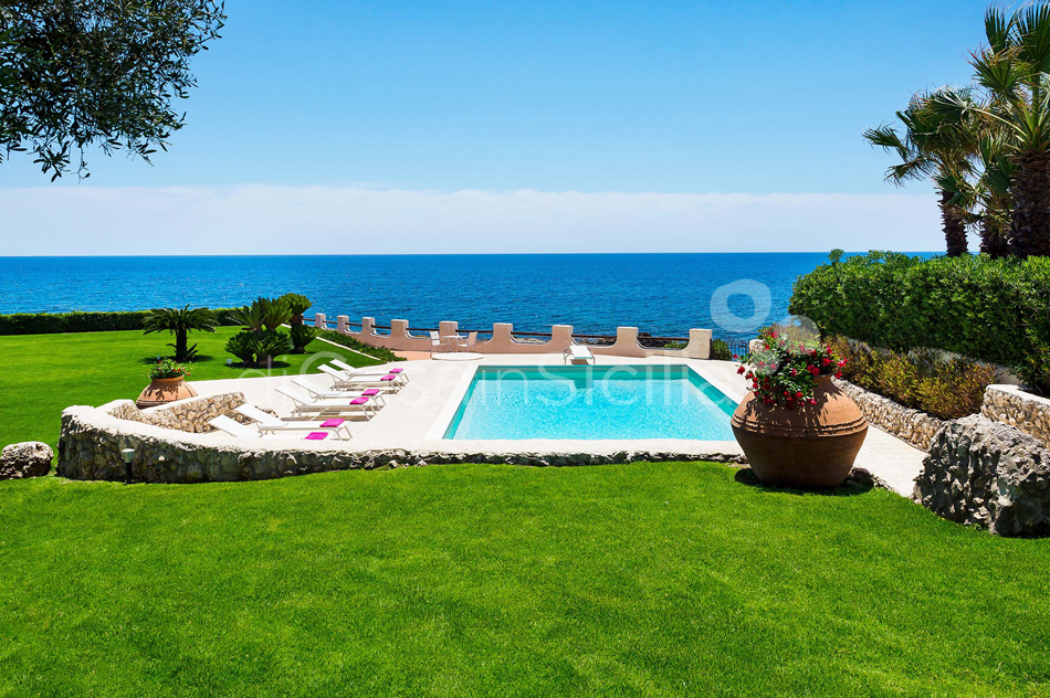 Blue Moon Sicily Luxury Sea Villa with Pool for rent Fontane Bianche - 0