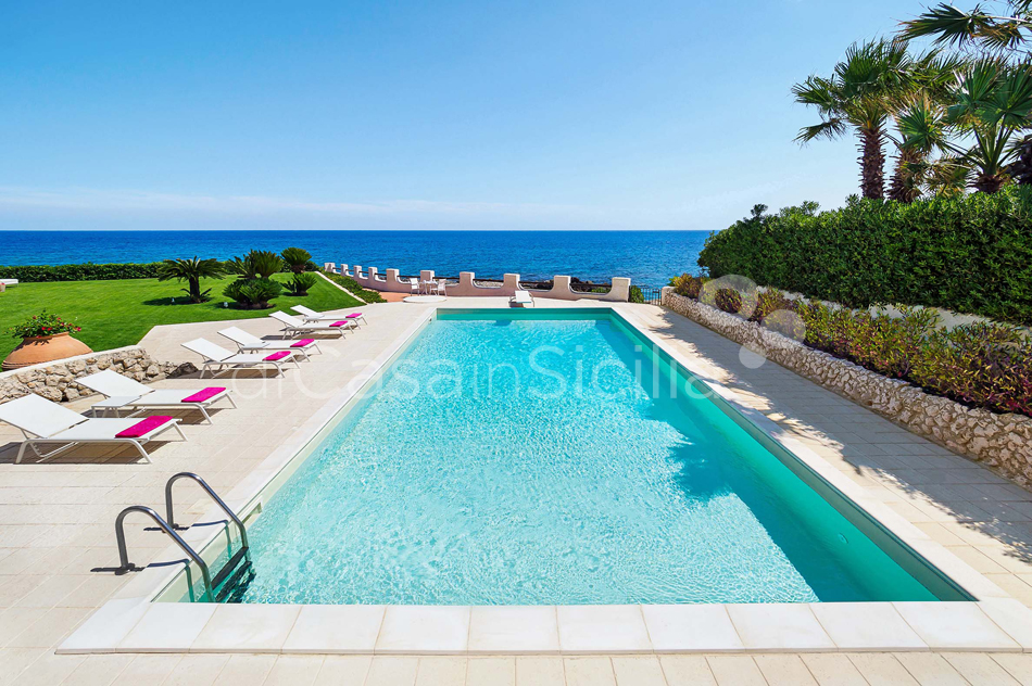 Blue Moon Sicily Luxury Sea Villa with Pool for rent Fontane Bianche - 1