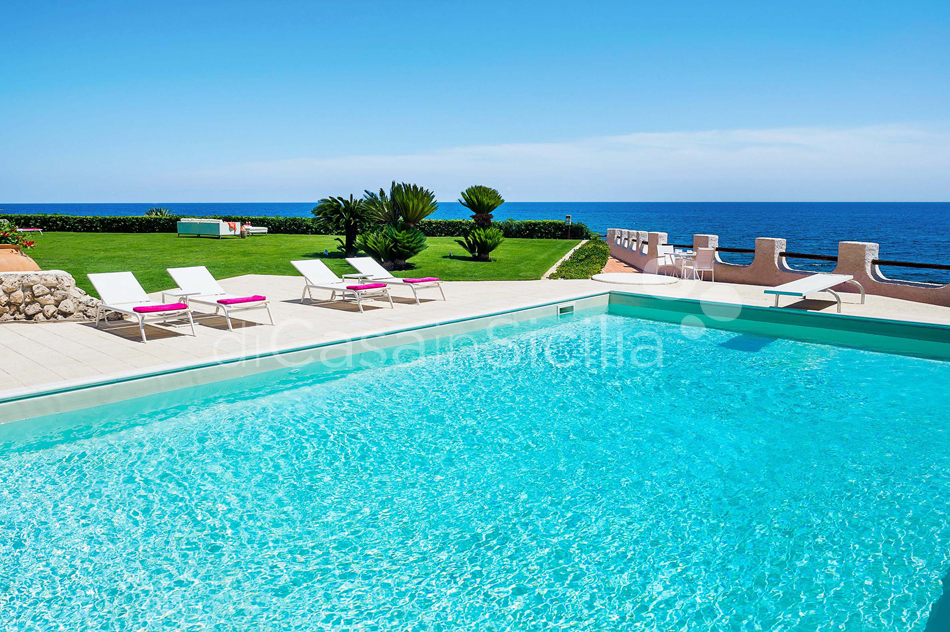 Blue Moon Sicily Luxury Sea Villa with Pool for rent Fontane Bianche - 3