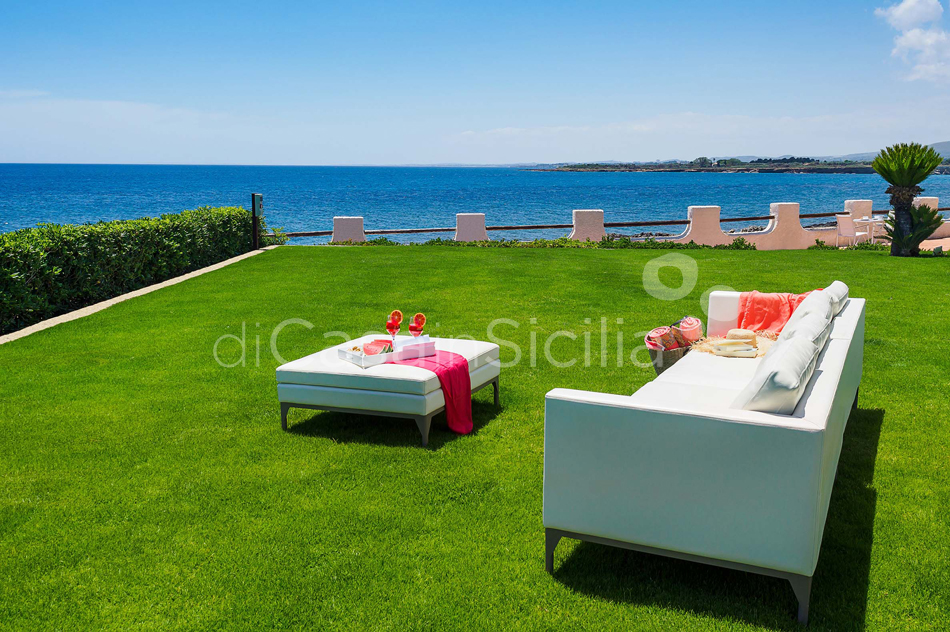 Blue Moon Sicily Luxury Sea Villa with Pool for rent Fontane Bianche - 5