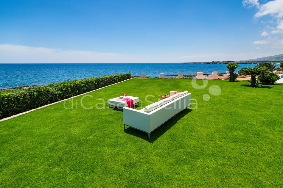 Blue Moon Sicily Luxury Sea Villa with Pool for rent Fontane Bianche - 6