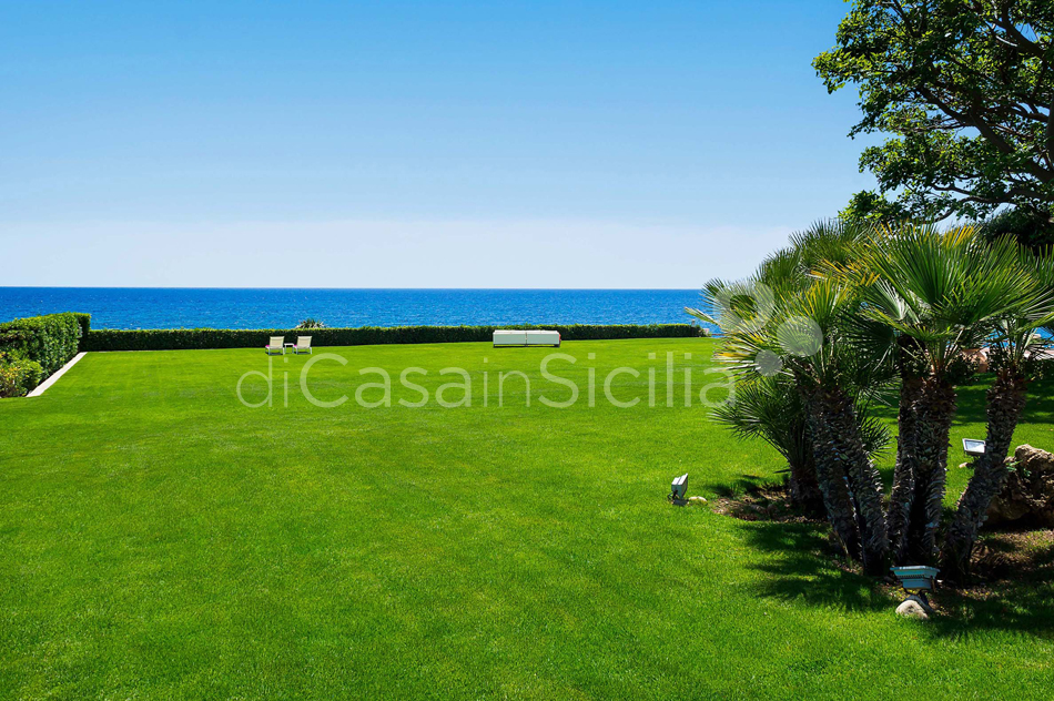 Blue Moon Sicily Luxury Sea Villa with Pool for rent Fontane Bianche - 8