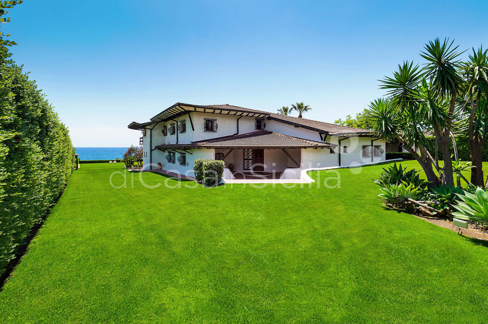 Blue Moon Sicily Luxury Sea Villa with Pool for rent Fontane Bianche - 9