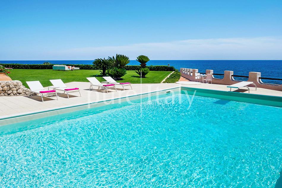 Seafront Family friendly villas near Syracuse | Pure Italy - 12