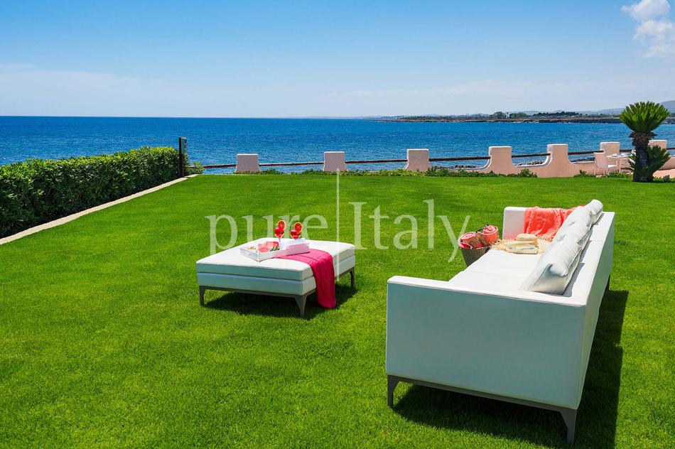 Seafront Family friendly villas near Syracuse | Pure Italy - 14