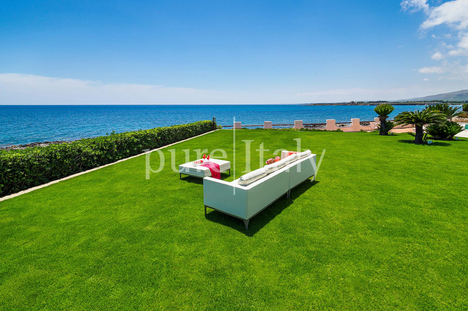 Seafront Family friendly villas near Syracuse | Pure Italy - 15
