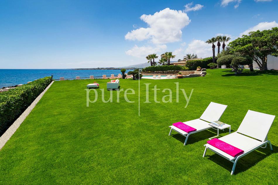 Seafront Family friendly villas near Syracuse | Pure Italy - 16
