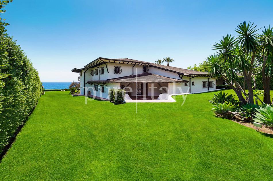 Seafront Family friendly villas near Syracuse | Pure Italy - 18