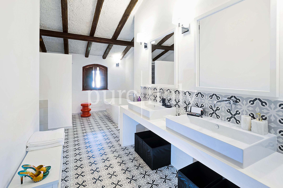 Seafront Family friendly villas near Syracuse | Pure Italy - 49